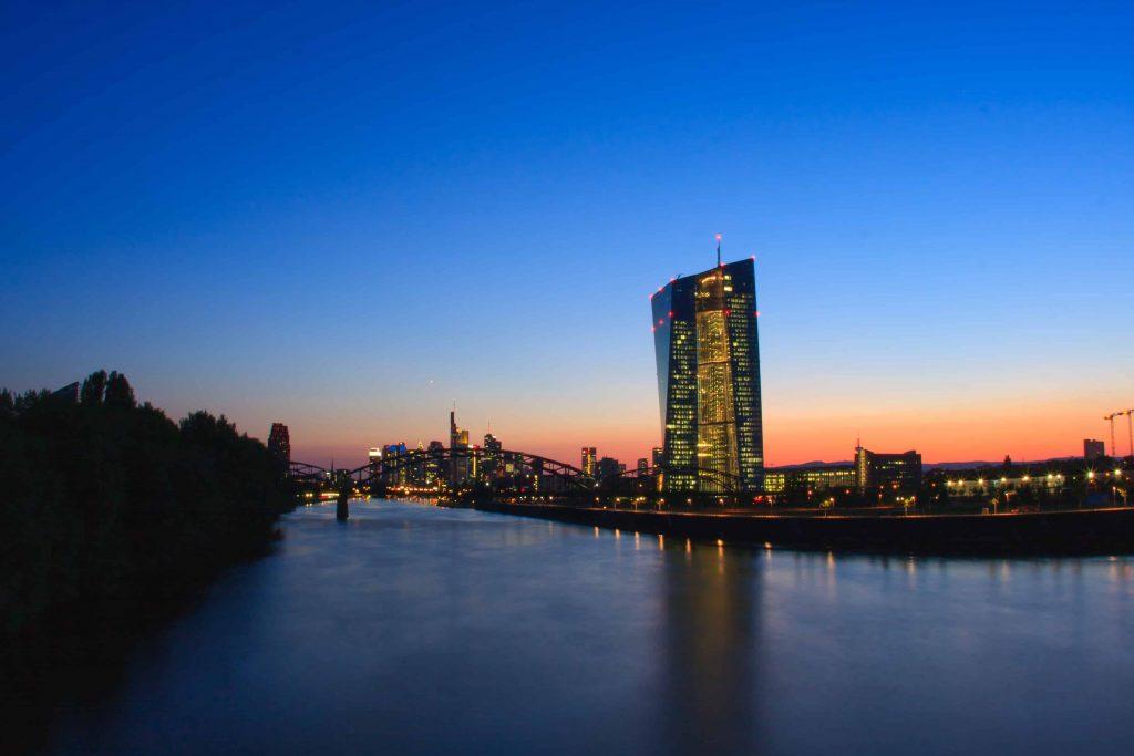 بانک مرکزی اروپا نرخ بهره را تغییر نداد